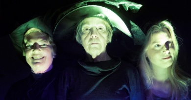 Come away to Discworld with us